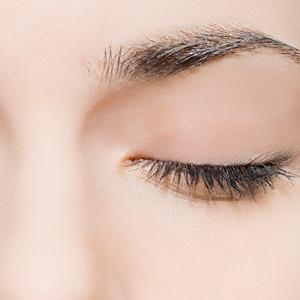 Ögonlocksoperation, ögonlocksplastik, ögonbrynslyft